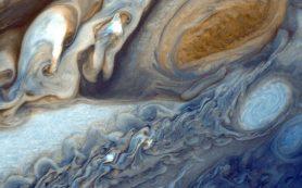 Новая анимация из видов Юпитера и Ганимеда от аппарата «Юнона»