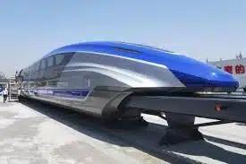 В Китае построили самый быстрый поезд в мире, способный заменить самолет