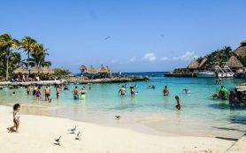 Власти Мексики ввели новые карантинные ограничения в туристических зонах страны