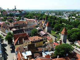Эстония открывается для российских туристов, вакцинированных «Спутником V»